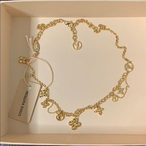 Louis Vuitton Blooming Gold Necklace